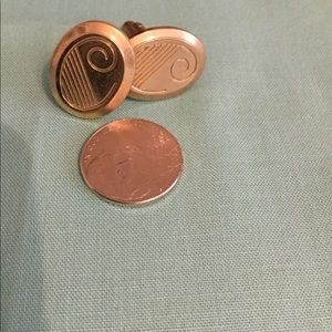 Other - Gold tone men's cuff links